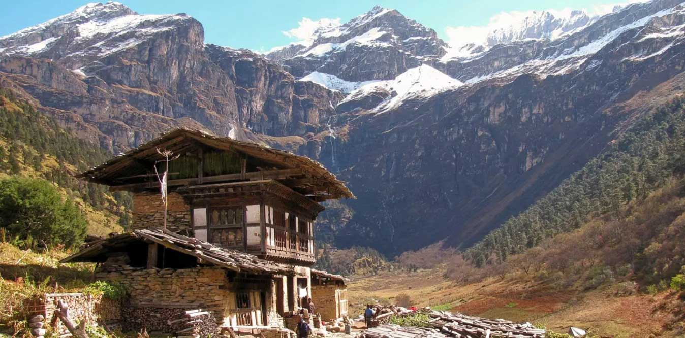 sinchula trek in Bhutan